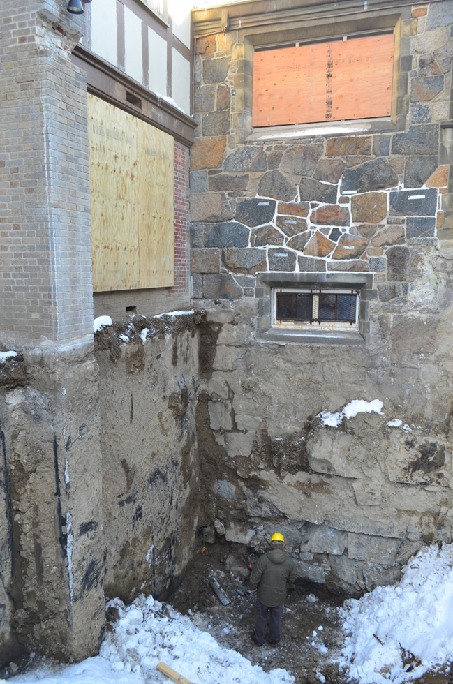 2014-04 Excavation-for-the-elevator